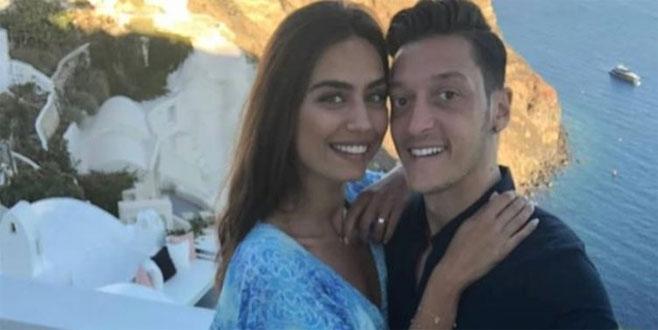 Mesut'tan nişanlısı Amine'ye romantik sürpriz!