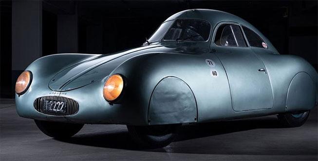 Dünyanın en yaşlı Porsche'si satışta