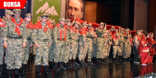 Engelli gençlere asker kınası yakıldı