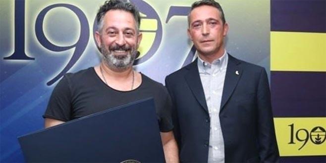 Cem Yılmaz'dan Galatasaray paylaşımı: Fenerbahçeli olmak bunu gerektirir