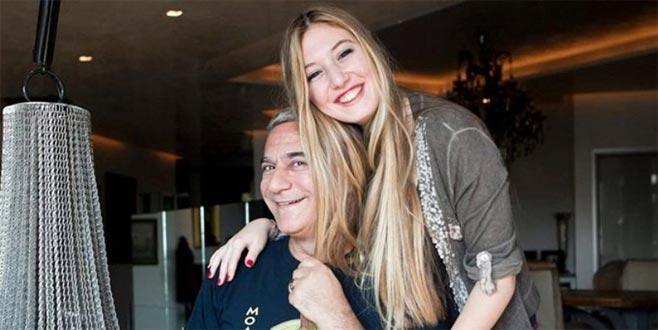 Mehmet Erbil'in kızı, mavi bikinisiyle havuz sezonunu açtı