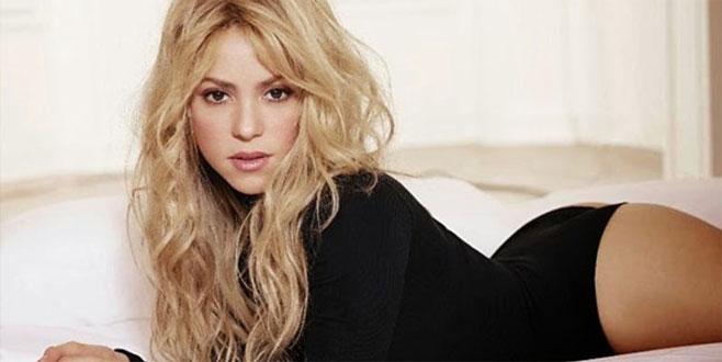 Shakira pembe bikinisiyle hayran bıraktı!