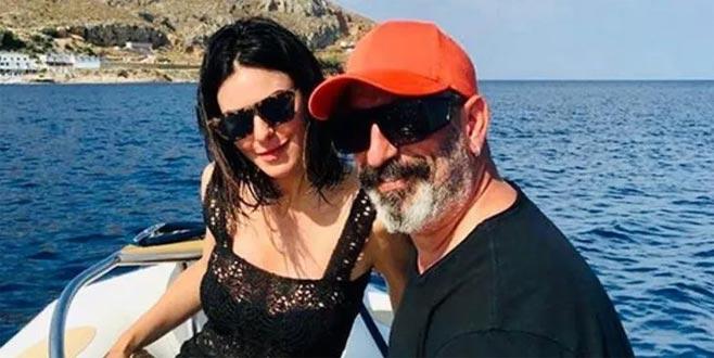 Cem Yılmaz ve Defne Samyeli'den tatil paylaşımları!
