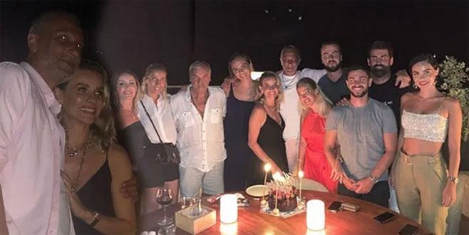 Esra Erol ve eşi Ali Özbir'den çifte kutlama! Fenerbahçeli oyuncular da katıldı