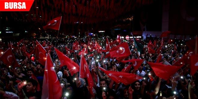 15 Temmuz şehitleri anıldı! Binlerce kişi katıldı…