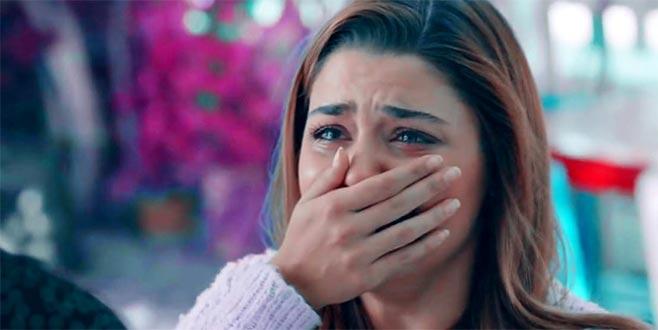 Hande Erçel, annesiyle ilgili duygusal mesajıyla yürek sızlattı!