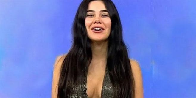 Asena Atalay bikinili pozlarıyla döndü!