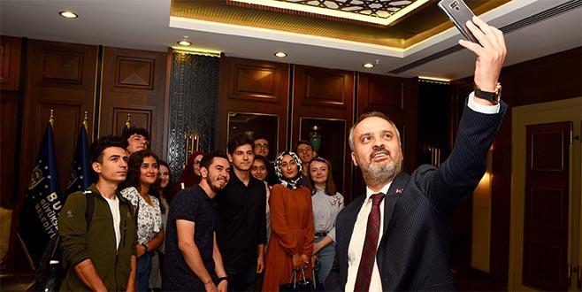 Üniversitelilerden Aktaş'arehberlik teşekkürü