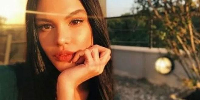 Almeda Abazi annesini paylaştı yorum yağdı
