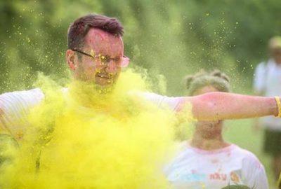 Bin kişiyle 'renkli koşu festivali'