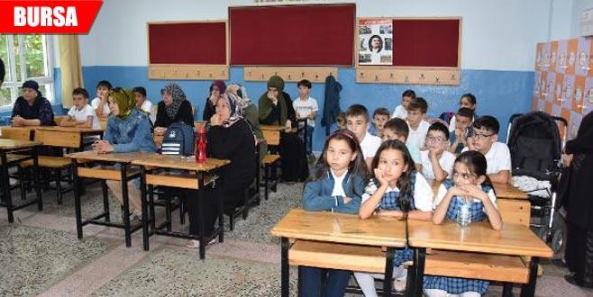 Fenalaşarak hayatını kaybeden öğretmenin okulunda yas