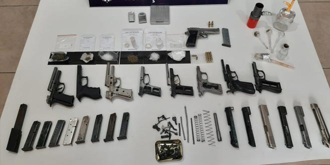 Gemlik'te silah ve uyuşturucu baskını