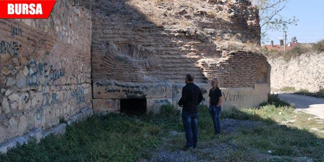 2 bin 500 yıllık surda çökme