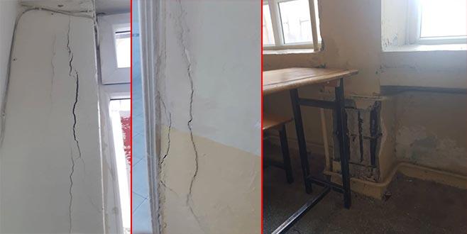 Bina ayakta zor duruyor: 'Okulda ölmek istemiyoruz'