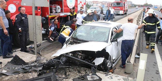 Feci kazada baba öldü, oğlu yaralandı