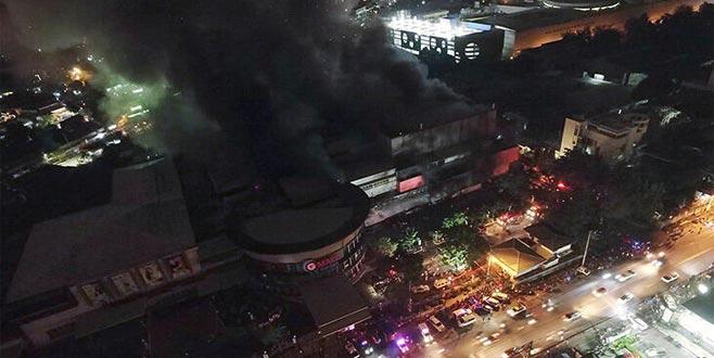 Korkunç yangın: 200 ev kül oldu, 700 aile…