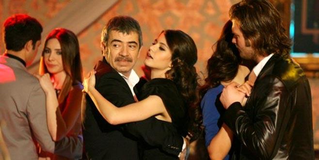Aşk-ı Memnu'nun 9 yıl sonra çıkan sahnesi izleyenleri kahkahaya boğdu