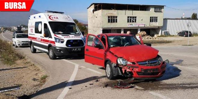 Anne ve kızı kazada yaralandı
