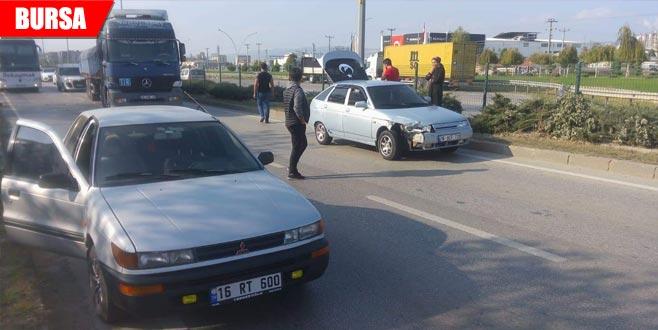 Yasak olan yerde yolcu indirdi, kazaya neden oldu