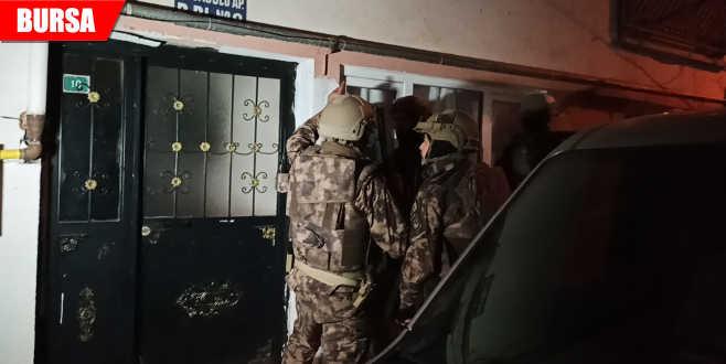 Bin polisle şafak operasyonu: 31 gözaltı