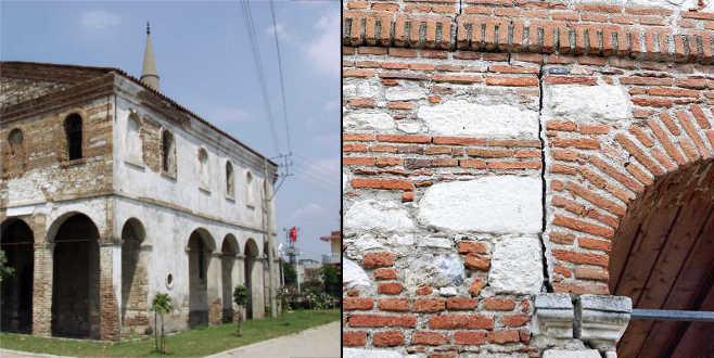 Bursa'nın Ayasofya'sı çürüyor