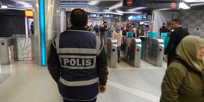 Bursa polisinden metro istasyonlarında denetim