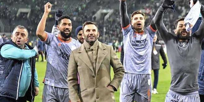 M.Başakşehir'in kader gecesi! Kritik maç saat kaçta hangi kanalda?