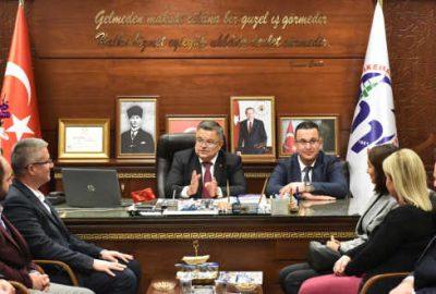 Selim Yağcı Başkan Kanar'ı ziyaret etti