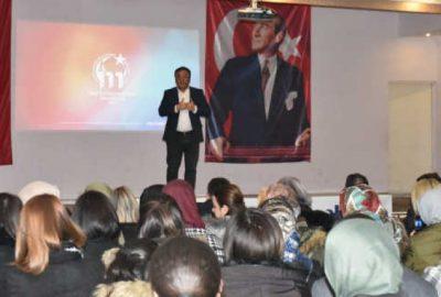 Mustafakemalpaşalılar Fatih Akbaba'yı ilgiyle dinledi