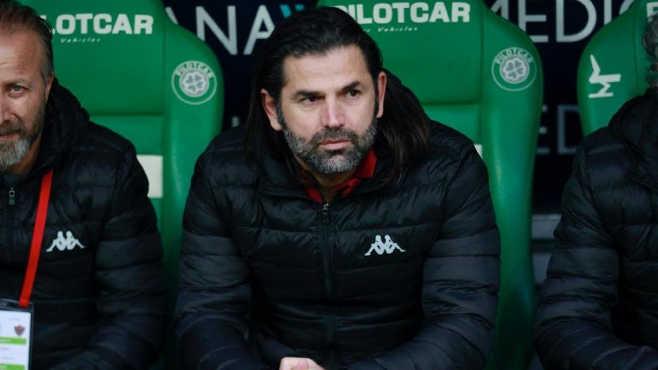Bursaspor'un hocası Üzülmez noktayı koydu; BU ACELE NİYE?