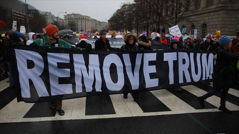 Binlerce kadın Trump'a karşı yürüdü