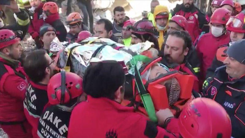 'Azize' 17 saat sonra kurtarıldı…