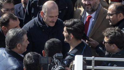 Enkazdan iki kişiyi çıkaran Suriyeli Mahmud'a Bakanlardan teşekkür