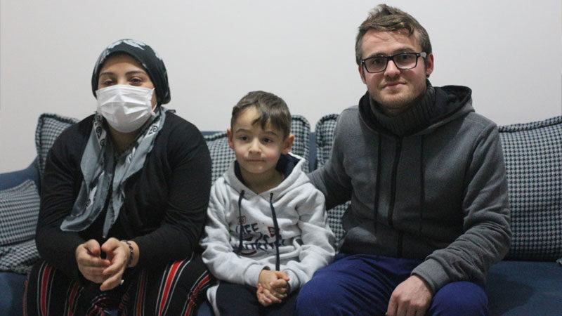 Annesini ve ağabeyini kaybettiği kanseri yenmek için mücadele ediyor