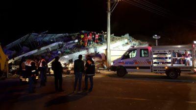 Deprem bölgesinden kareler