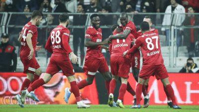 Lider Sivasspor ikinci yarıya kayıpsız başladı
