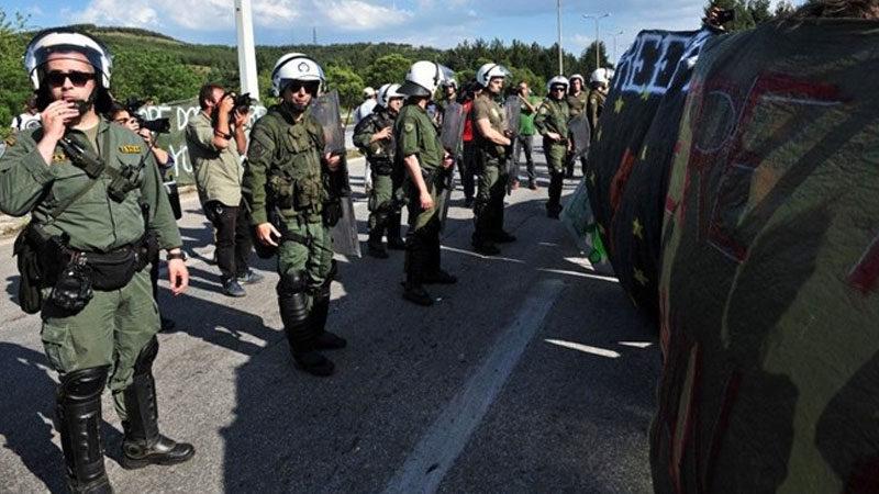 Türkiye sınırına binden fazla polis yerleştirecek