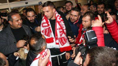 Ve Podolski Süper Lig'de…