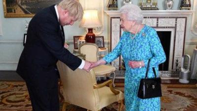 Kraliçe'den Brexit yasasına onay