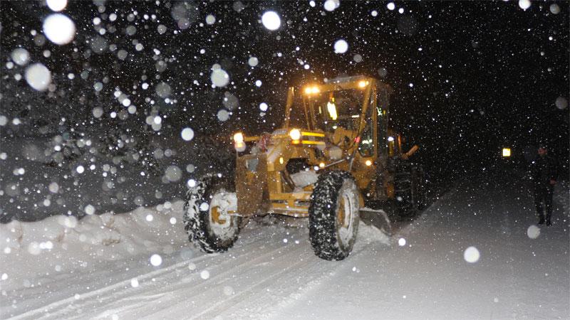 Bursa'da yoğun kar yağışı nedeniyle 8 saat mahsur kaldı