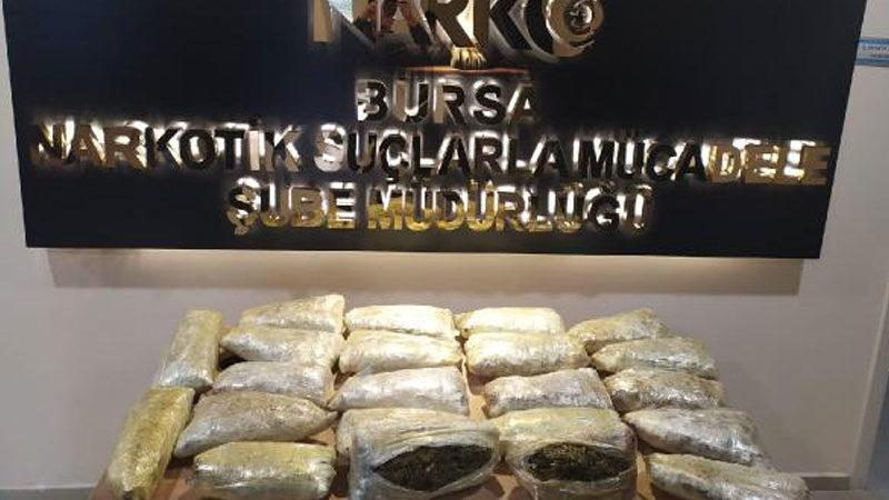 Bursa'da 16 kilogram esrar ele geçirdi