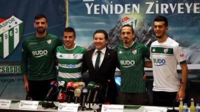 Özlüce'de imza şov… Akhisar maçına yetişecekler mi?