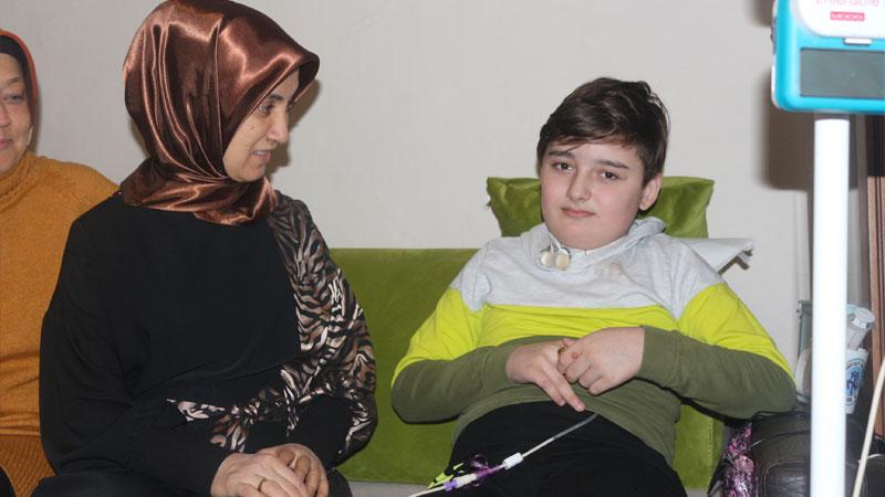 301 ameliyat geçiren Bursalı Kayra bir kez daha ABD yolcusu