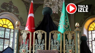 Padişah kellesini istediği Emir Sultan'ı karşısında görünce ağlayarak boynuna sarıldı