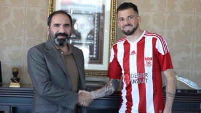 Sivasspor imzayı attırdı