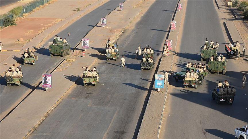 Sudan'da 'isyan' bastırıldı: 43 istihbaratçı gözaltında