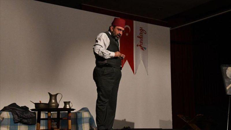 'Gitme Ey Yolcu' Balıkesir'de sahnelendi