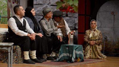 Mali müşavirler tiyatro sahnesinde stres atıyor