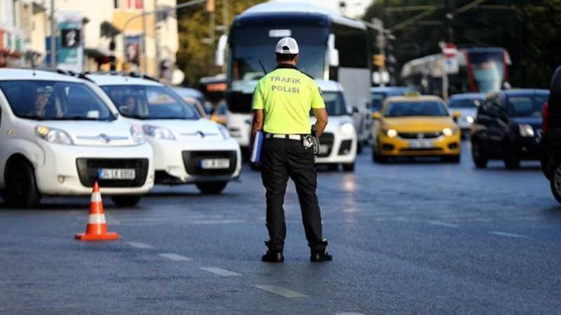 Emniyet'ten yarıyıl tatili trafiği uyarısı