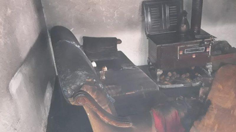 Evinde çıkan yangında feci şekilde can verdi